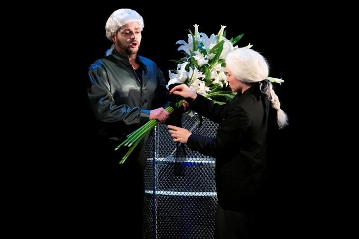 G. F. Händel: Alcina, Opera ŠD Košice, 2016, Marek Gurbaľ (Melisso), Anna Manske (Ruggiero), foto: Joseph Marčinský