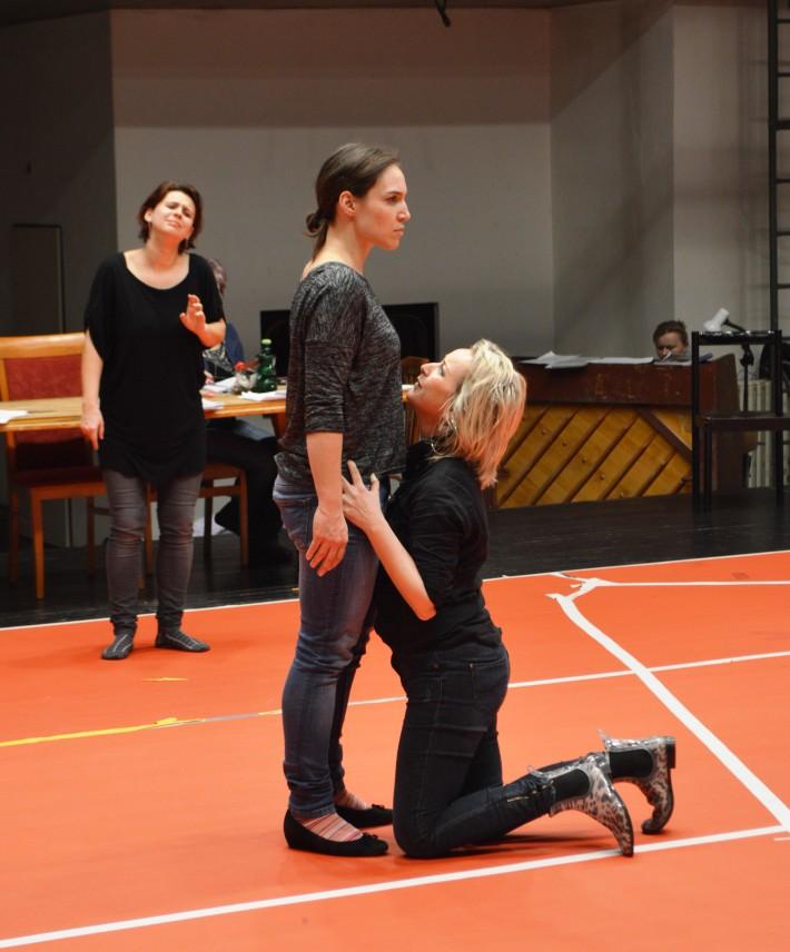 G. F. Händel: Alcina, Opera ŠD Košice, 2016, foto zo skúšky, Linda Keprtová, Anna Manske, Michaela Várady, foto: Svjatoslav Dohovič
