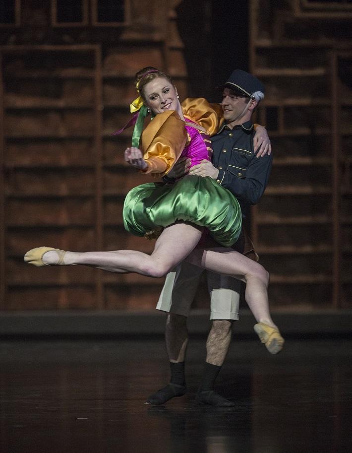 P. Breiner, N. Horečná: Slovenské tance - Životy svetiel, Balet SND, 2016, Bethan Smith (Katarína), Juraj Žilinčár (Poštár), foto: Peter Brenkus
