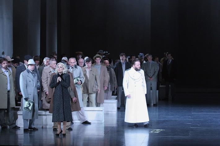 R. Wagner: Lohengrin, Opera SND, 2013, Jolana Fogašová (Elsa), Jozef Benci (Kráľ Heinrich), foto: Anton Sládek