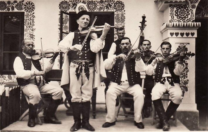 Samko Dudík a jeho kapela. Uherské Hradiště, 1936