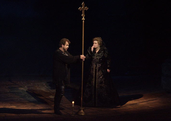 G. Verdi: Don Carlos, Opera SND, 1999, Sergej Larin (Don Carlos), Lilia Larinová (Alžbeta), foto: Alena Klenková