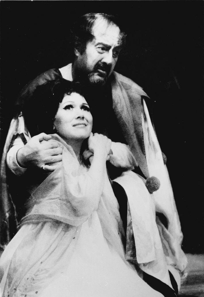G. Verdi: Rigoletto, Opera SND, Mária Turňová (Gilda), Pavol Mauréry, (Rigoletto), foto: súkromný archív Márie Turňovej