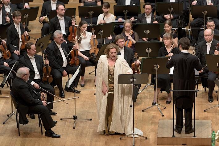 Koncert Slovenskej filharmónie, 2016, Igor Stravinskij: Oedipus Rex (koncertné prevedenie), Julia Gertseva (Jokasta), Juraj Valčuha, Slovenská filharmónia, foto: Ján Lukáš