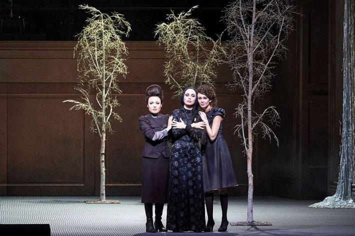 Péter Eötvös: Tri sestry, Viedenská štátna opera, 2016, foto: Michael Pöhn
