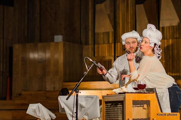 S. Solovic: Haydn večeria s Mozartom, Komorné štúdio Slovenského rozhlasu, 2016, Gustáv Beláček (Haydn), Eva Šušková (Slúžka), foto: Koscik.photos