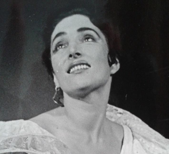 M. Ravel: Španielska hodinka, opera SND, 1961, Tatjana Masariková (Concepcion), foto: Gejza Podhorský (Archív DÚ)