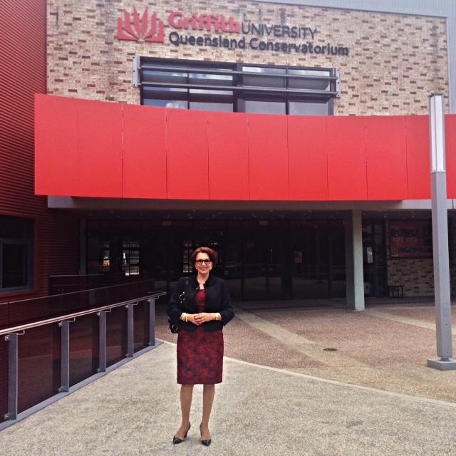 Eva Blahová pred univerzitou v Brisbane, foto: súkr. archív Evy Blahovej