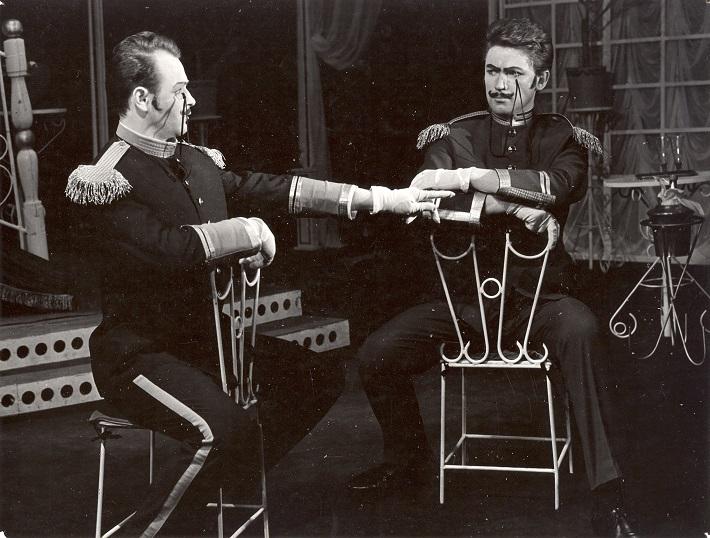 Franz Lehár: Veselá vdova, DJGT v BB (dnešná ŠOBB), 1966, Juraj Sanitra (Raoul de St. Brioche), František Caban (Vikomt Cascada), foto: Archív ŠOBB