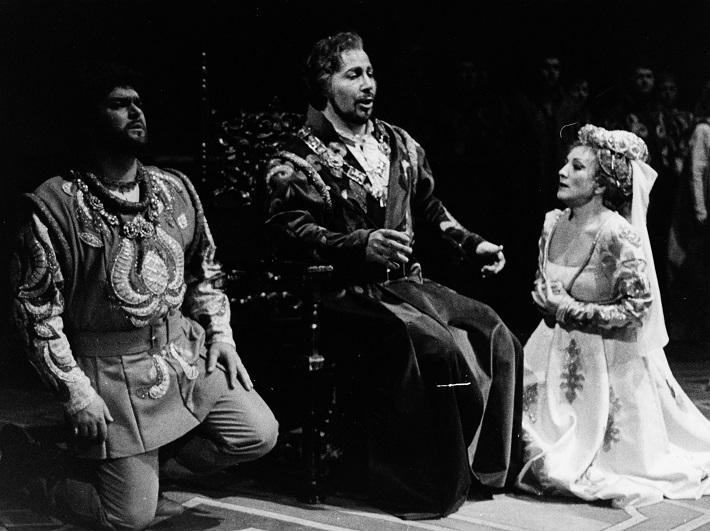 G. Verdi: Simon Boccanegra, Opera SND, 1985, P. Dvorský (Gabriele Adorno), I. Konsulov (Simon Boccanegra), M. Blahušiaková (Amelia Grimaldiová), foto: Anton Sládek, Archív SND