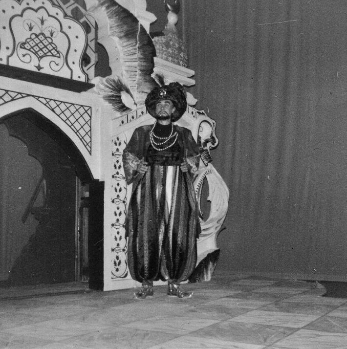 Juraj Šomorjai ako Osmin v opere Únos zo serailu, 1973, foto: súkromný archív rodiny Šomorjaiovcov