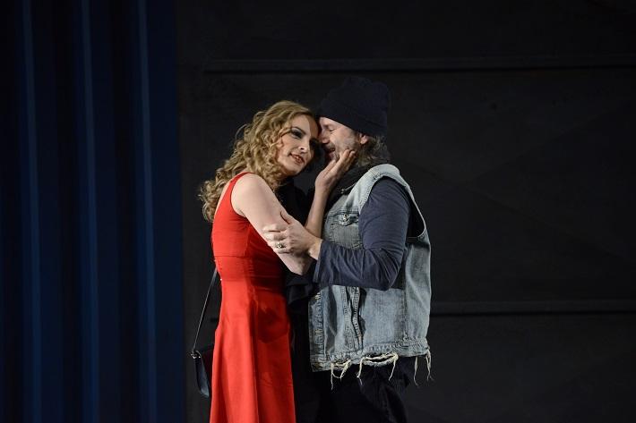 Ludwig van Beethoven: Fidelio, Opera SND, 2016, Mária Rychlová (Marzelline), Ľudovít Ludha (Jaquino), foto: Pavol Breier
