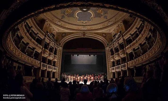 Š. Ondrišová, P. Groll: Bess – Pocta Rudolfovi Labanovi, Balet SND, 2016, klaňačka po premiére, foto: Peter Brenkus