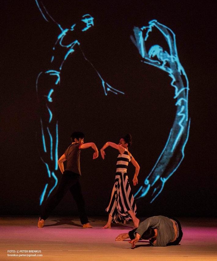 Š. Ondrišová, P. Groll: Bess – Pocta Rudolfovi Labanovi, Balet SND, 2016, Radoslav Piovarči, Chelsea Andrejic, foto: Peter Brenkus