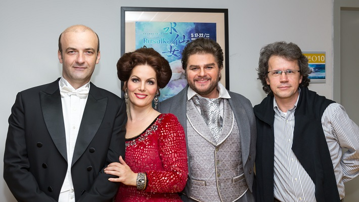 A. Dvořák: Rusalka, Veľká Národná Opera Peking, 2016, R. Štúr, J. Fogašová, P. Berger, B. Procházka, foto po generálke