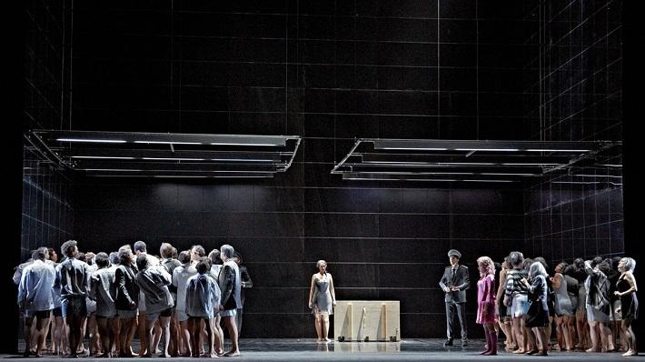 D. Šostakovič: Lady Macbeth mcenského okresu, Opera Augsburg, 2016, foto: A.T. Schaefer
