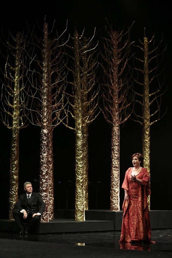 G. Verdi: Simon Boccanegra, Opera SND, 2016, Anton Keremidtchiev (Simon Boccanegra), Adriana Kohútková (Amelia Grimaldi), foto: Ctibor Bachratý