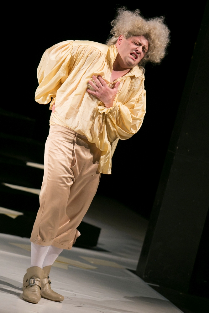 M. Lejava: Bohom Milovaný, Opera ŠD Košice, 2016, Maksym Kutsenko (Mozart), foto: Joseph Marčinský