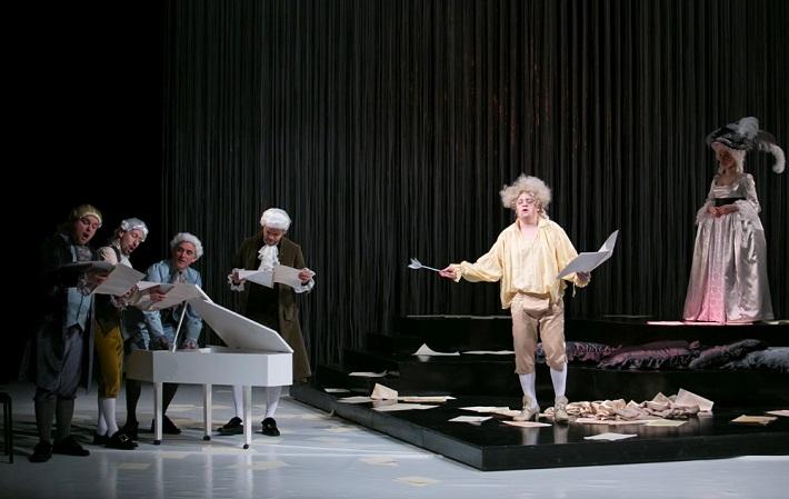 M. Lejava: Bohom Milovaný, Opera ŠD Košice, 2016, Maksym Kutsenko (Mozart komponujúci Requiem), foto: Joseph Marčinský