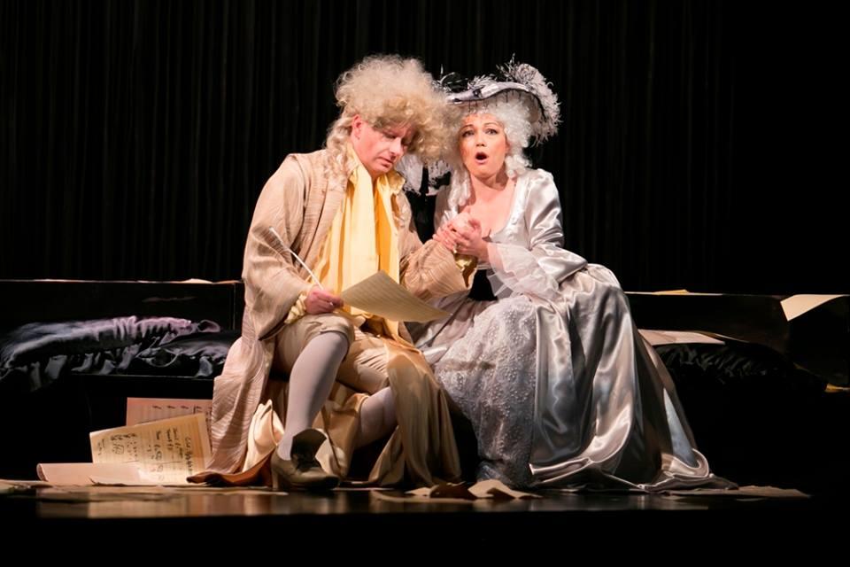 Marián Lejava: Bohom Milovaný, Opera ŠD Košice, 2016, Jozef Gráf (Mozart), Viera Kállayová (Constanze), foto: Joseph Marčinský