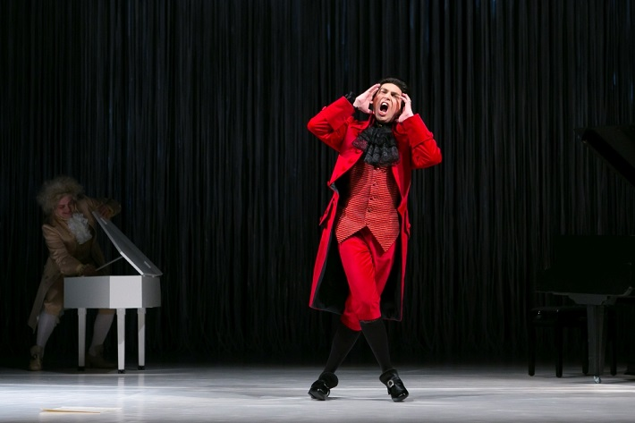 N. A. Rimskij-Korsakov: Mozart a Salieri, Opera ŠD Košice, 2016, Maksym Kutsenko (Mozart), Ivan Zvarík (Salieri), foto: Joseph Marčinský