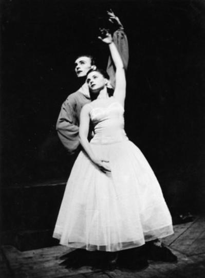 H. S. von Løvenskjold: Sylfida, Balet SND (1948), František Bernatik (Junák), Trúda Boudová-Tašká (Sylfida), foto: Jozef Podhorský