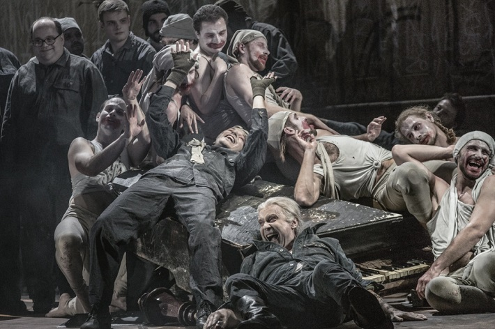 L. Janáček: Z mrtvého domu, ND Praha 2015, foto: Patrik Borecký