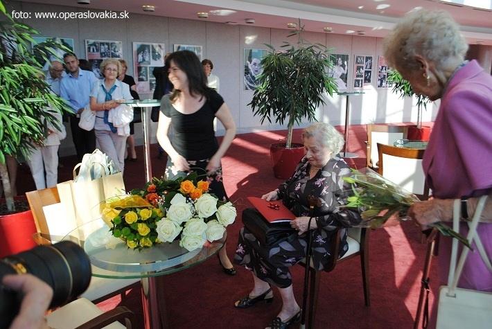 Vernisáž výstavy – Nina Hazuchová, 2016, Michaela Mojžišová, Nina Hazuchová, foto: Ľudovít Vongrej