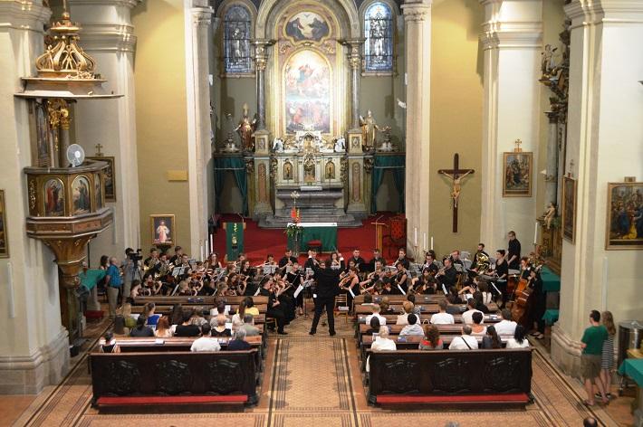 Šengenský poludník 2016, Charitatívny koncert pre n.o. Homo Homini v Dominikánskom kostole v Košiciach, Študentský symfonický orchester mesta Brzeg z Poľska, foto: Svjatoslav Dohovič