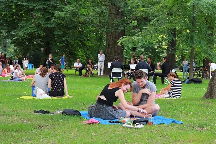 Hudba v sade (všade), foto: Barbora Drahovská