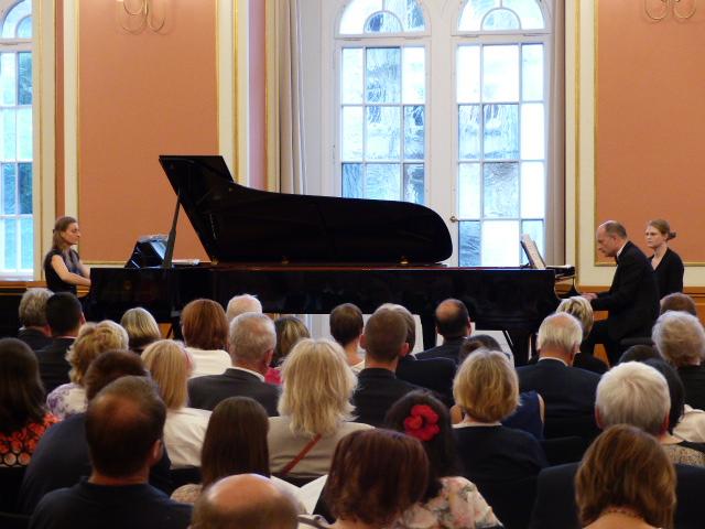 Koncert klavírneho dua Nora a Miki Skuta v Berlíne, 2016, foto: Slovenský inštitút v Berlíne