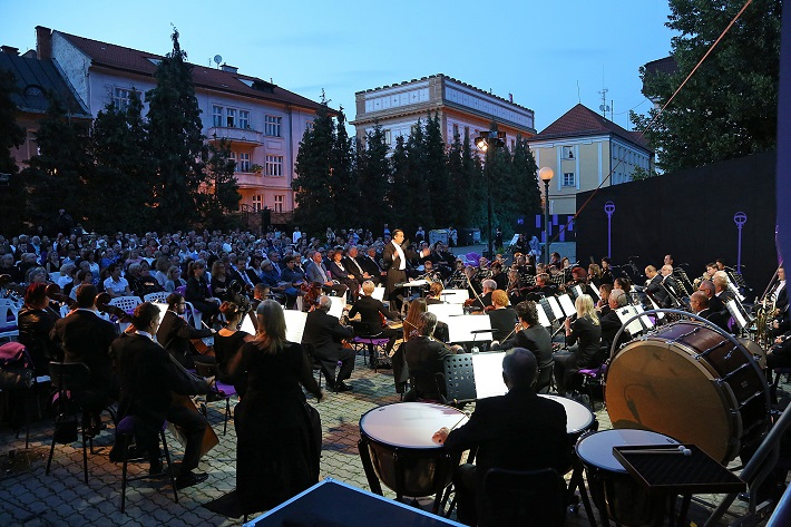 Koncert, L. van Beethoven 9. symfónia, Operalia Banská Bystrica 2016, Gianluca Martinenghi, orchester Štátnej opery Banská Bystrica, foto: Jozef Lomnický