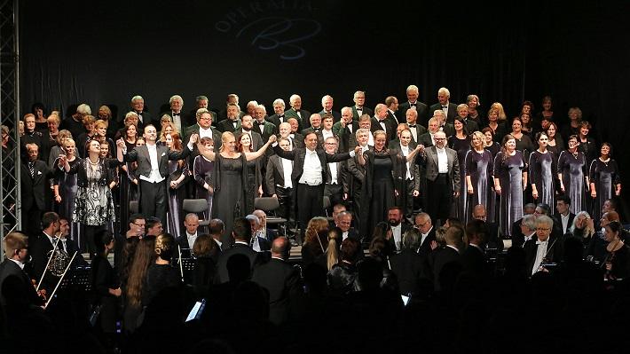 Koncert, L. van Beethoven 9. symfónia, Operalia Banská Bystrica 2016, L. Holásek, I. Popovičová, Š. Kocán, T. Kusanović, G. Martinenghi, M. Porubčinová, Ľ. Ludha, orchester a zbor, foto: Jozef Lomnický