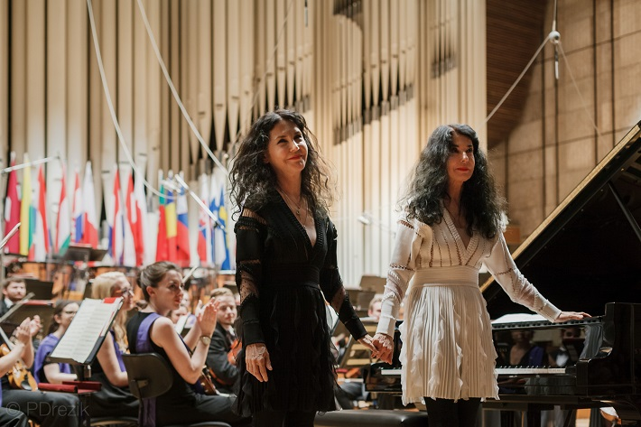 Koncert Mládežníckeho orchestra Európskej únie (EUYO), 2016, Katia a Marielle Labèqueové, foto: Peter Drežík