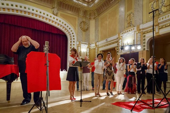 D. Šostakovič: Antiformalističeskij rajok, Konvergencie 2016, Peter Mikuláš, Spevácky zbor ECHO, foto: Peter Drežík