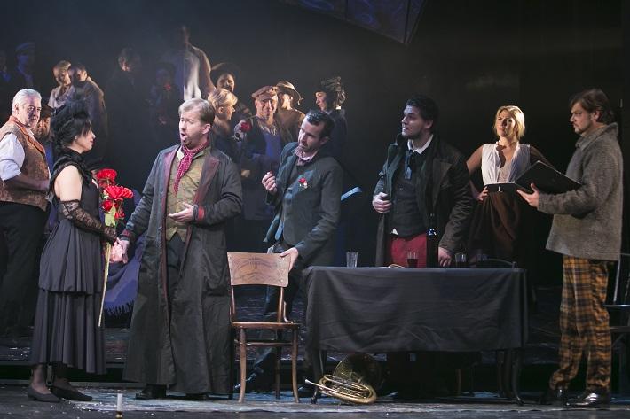 G. Puccini: Bohéma, Opera ŠD Košice, 2016, Janette Zsigová (Mimi), Jozef Gráf (Rodolfo), Marek Pobuda (Schaunard), Michal Onufer (Colline), Marek Gurbaľ (Marcello), foto: Jozef Marčinský