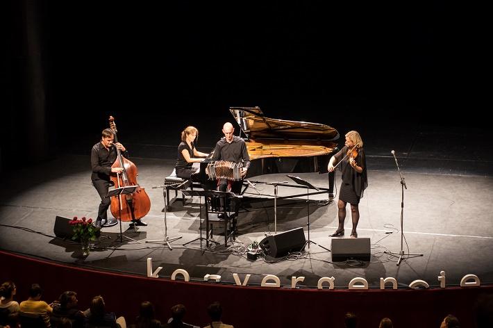 Isabelle van Keulen Ensemble, Konvergencie 2016, foto: Lubomir Dait