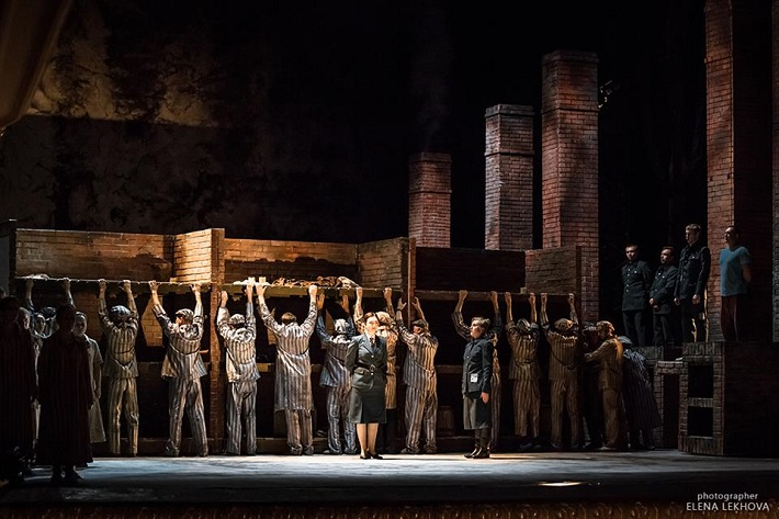 M. Weinberg: Pasažierka, Jekaterinburské divadlo opery a baletu, 2016, foto: Jelena Lechova