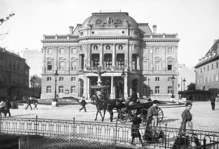 Mestské divadlo v Prešporku, podoba divadla po roku 1888, foto: Gucki Neulinger, zbierka: L. Kálmán, Bratislavské rožky, o.z.
