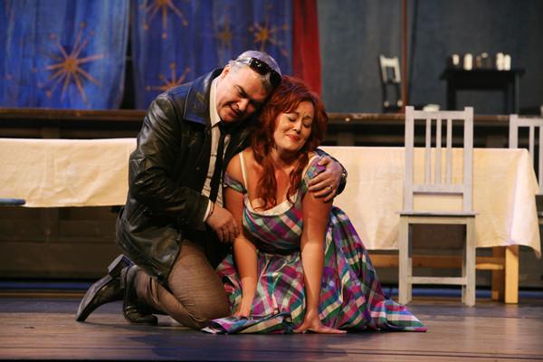 B. Smetana: Predaná nevesta, Opera SND, 2009, Miroslav Dvorský (Jeník) a M. Porubčinová Mařenka, foto: SND