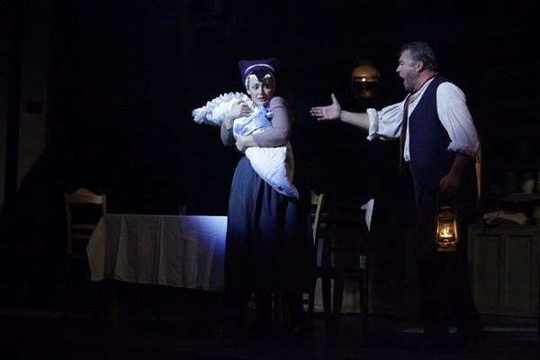 E. Suchoň: Krútňava, Opera SND, Mária Porubčinová (Katrena), Miroslav Dvorský (Ondrej), foto: R. Rehák