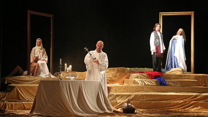 G. Puccini: Tosca, Štátna opera Banská Bystrica, 2016, Marián Lukáč (Kostolník), Paolo Lardizzone (Cavaradossi), foto: Jozef Lomnický