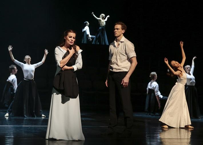 H. Berlioz: Faustovo prekliatie, SND, 2016, Monika Fabianová (Marguerite), Andrej Szabo, sólista Baletu SND, foto: Ctibor Bachratý