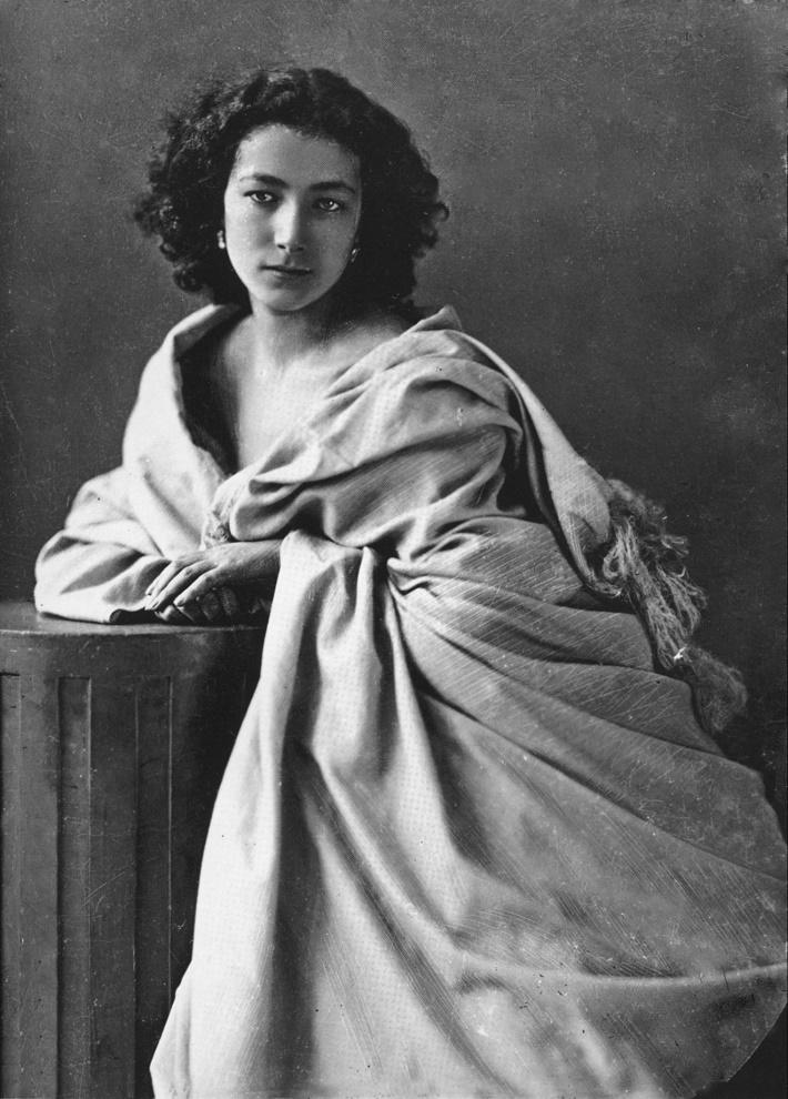 Sarah Bernhardt (1844 − 1923)