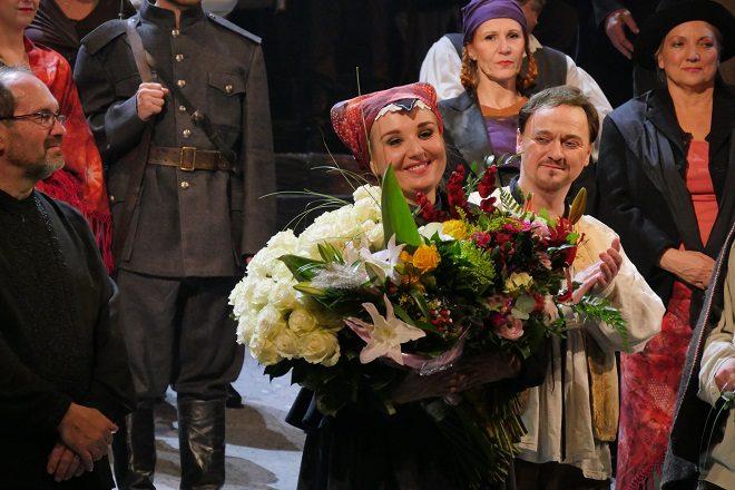E. Suchoň: Krútňava, Opera SND, 2016, Veronika Mihálková (Katrena), klaňačka po predstavení, foto: Alena Klenková