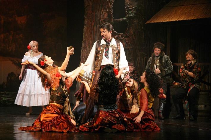 F. Lehár: Cigánska láska, Štátna opera, foto: Štátna opera