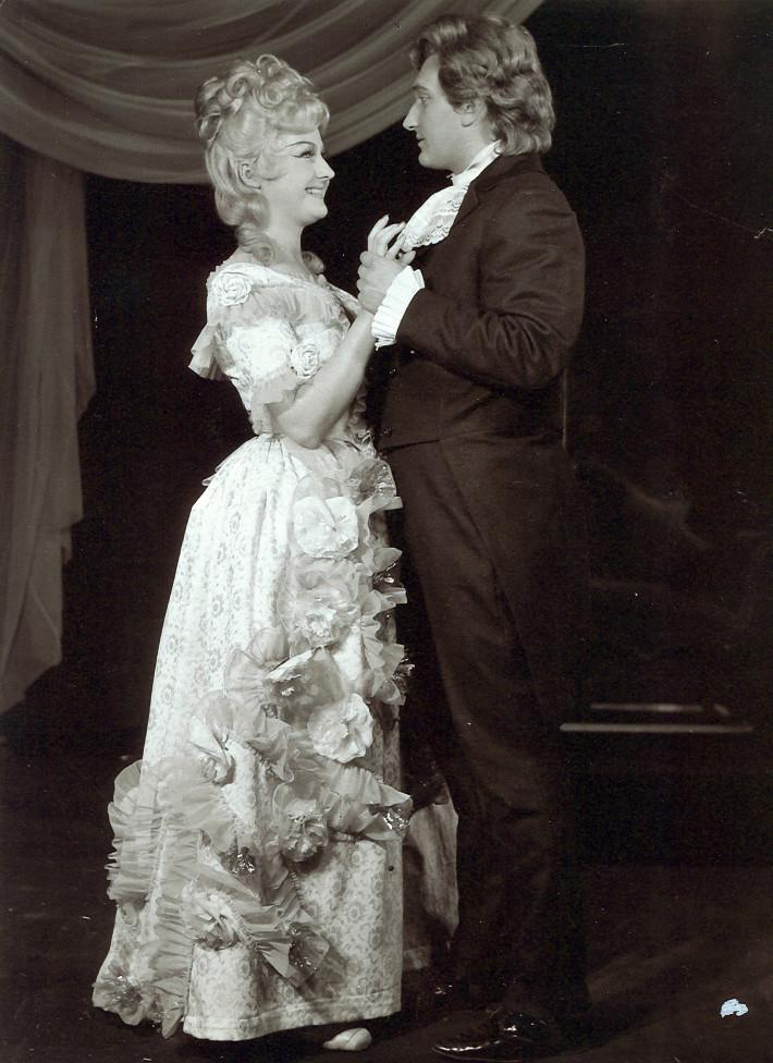 G. Verdi: La traviata, Divadlo J. G. Tajovského (dnešná Štátna opera), 1968, Edita Gruberová (Violetta Valéry), Ján Zemko (Alfredo Germont), foto: Archív Štátnej opery