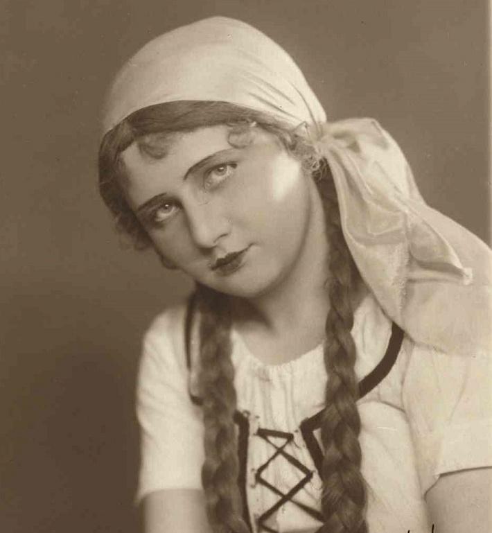 Eva Hadrabová (1902 – 1973), foto: Archív DÚ
