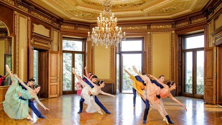 Novoročný koncert Viedenských filharmonikov, 2017, členovia baletu Viedenskej štátnej opery v priestoroch Vily Hermes vo Viedni, foto: Günther Pichlkostner