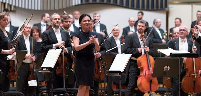"""Slovenská filharmónia a muška iba zlatá – """"Palingenia"""" od Ľubice Čekovskej"""